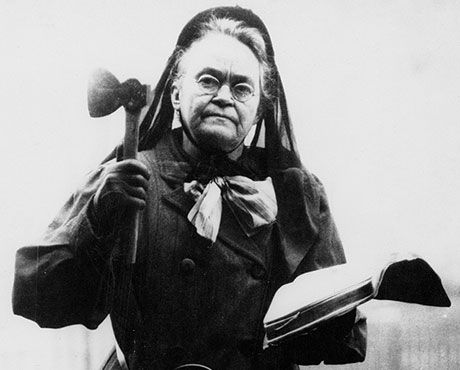 Carrie_nation_1910-460